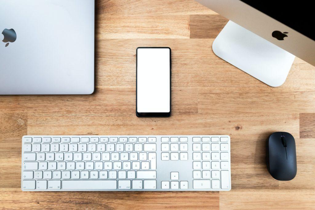 マウスとキーボードを接続する